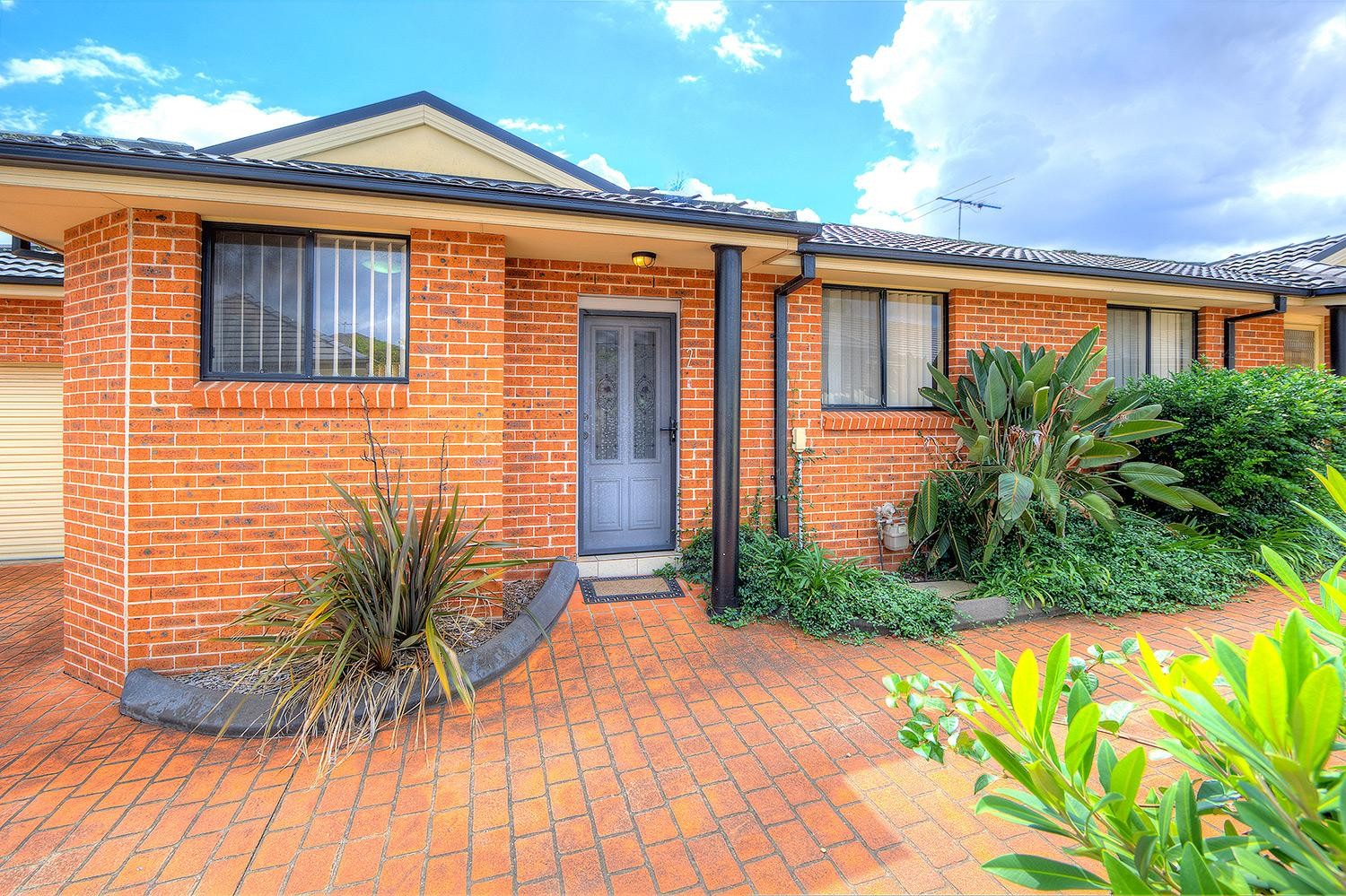 Best Value Villa in the Area! Low Strata Fees!