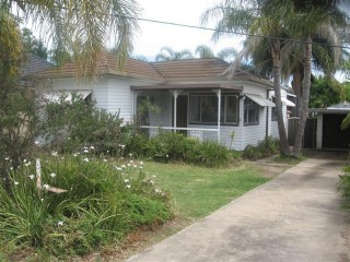 View profile: Freshly painted two bedroom house in convenient location!