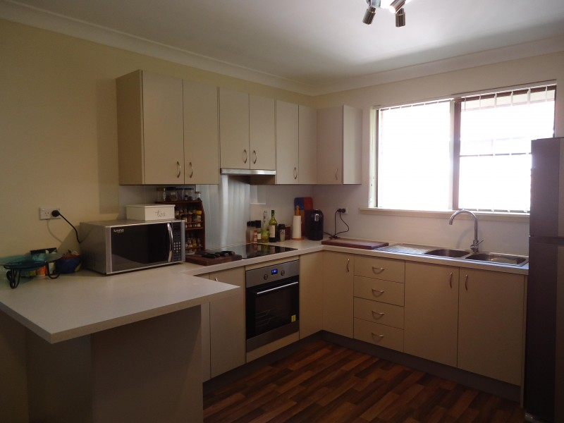 2 Bedrooms unit with Private Outlook