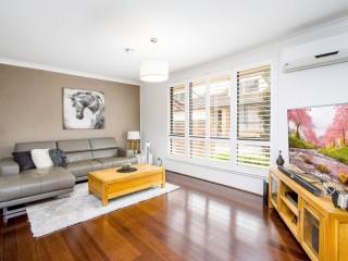View profile: Superb, Renovated Split-Level Villa- Pet Friendly!