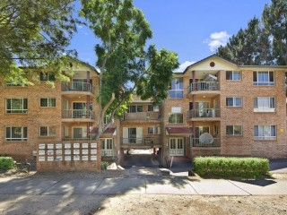 View profile: Renovated unit with Air Conditioning