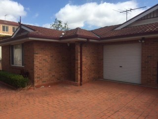 View profile:  Just a minute walk to Girraween Public School!!