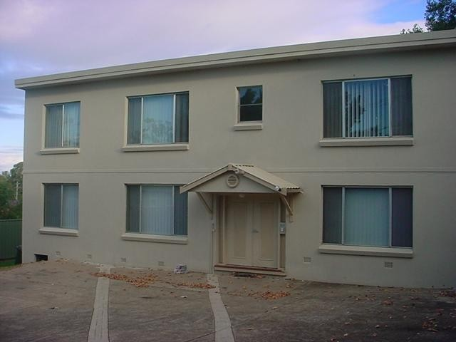 ONE WEEK FREE RENT!  Cheapest unit in Wentworthville.
