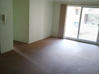 View profile: Stroll to Station! Opposite Woolworth's Shopping Centre!