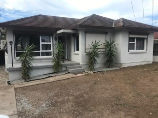 View profile: Fully Renovated 3 Bedrooms In Very Convenient Location