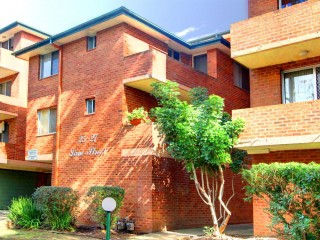 View profile: Conveniently Located 2 Bedroom Unit with Gas Cooking & Air Con