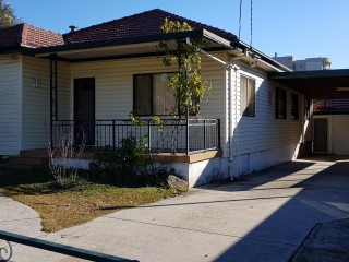 View profile: 4 Bedrooms Plus Granny Flat! Excellent Location!